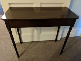 Pretty wooden side table