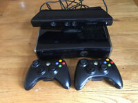Xbox 360 Console with 2 controllers Kinect Sensor and Xbox 360 FIFA, Lego, Minecraft games and more