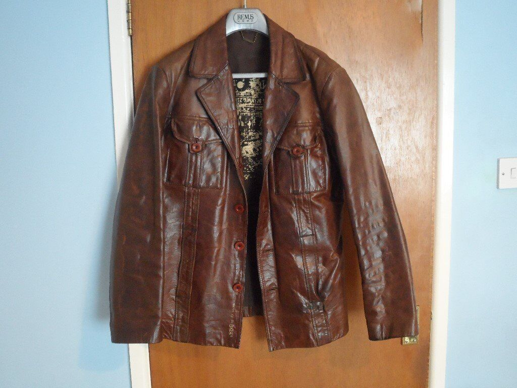 Mens River Island dark brown leather jacket for sale. Looks great and is in super conditionin Ballymena, County AntrimGumtree - Mens River Island dark brown leather jacket for sale. Looks great and is in super condition. This is a real quality leather jacket as you would expect from River Island. It cost £120 but I will accept £50.Grab a fantastic jacket at a great price....