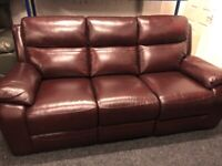 NEW - EX DISPLAY LAZYBOY WARREN LEATHER 3 SEATER RECLINER SOFA / SOFAS 75% Off RRP SALE