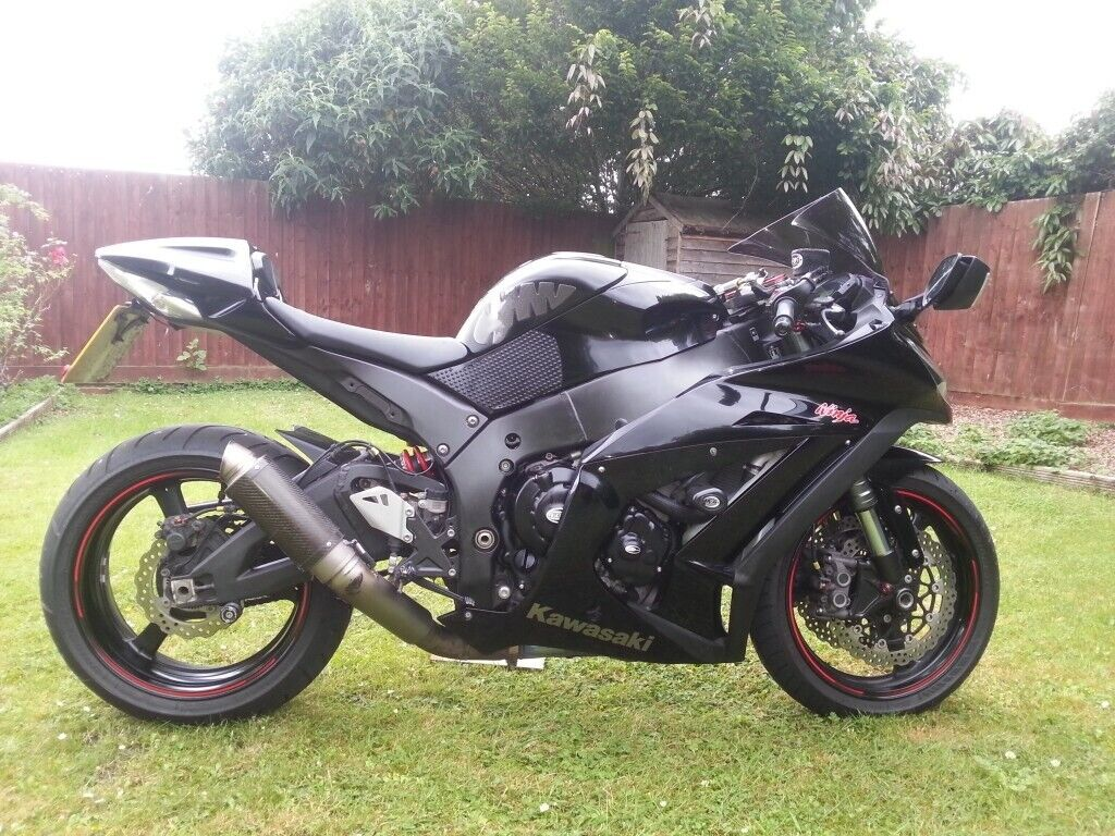 Kawasaki ZX10R ZX-10R Low miles Superb condition   in Barry, Vale of  Glamorgan   Gumtree