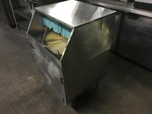 25 inch Moyer Diebel Glass Washer model M5 like new only $2795!