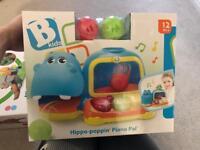 Hippo poppin piano pal