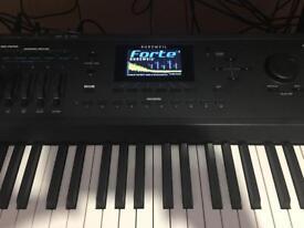 Kurzweil Forte 7 Stage piano/workstation synthesizer !!
