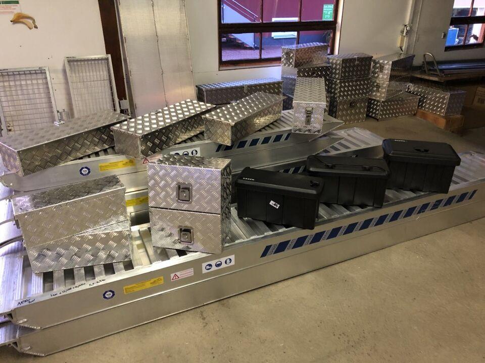 Schienen Alu & Stahl - Stauboxen Alu & Kunststoff NEU&SOFORT in Pirk