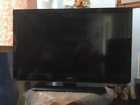 """Toshiba 42""""widescreen TV"""