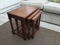 Set of 3 OAK TABLES.