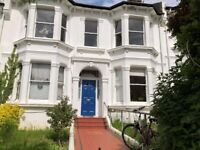 SB Lets are delighted to offer this modern 2 bedroom flat to rent in a great location PETS ACCEPTED