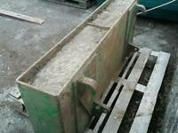 Tractor front loader weight with euro brackets in great condition