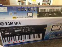YAMAHA E2-220 keyboard .