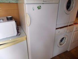 A Upright fridge