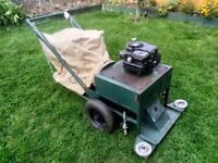 Vintage, self propelled 187cc leaf vac, perfect working order. Briggs