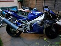 Yamaha R1 1000cc 2001 yesr