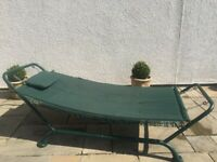 STURDY LARGE GREEN PATIO/GARDEN SWING HAMMOCK WITH PADDED CUSHION & METAL STAND