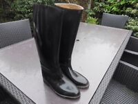 Black toggi riding boots