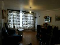 16 Farnsfield house house dray gardens SW21SP Brixton
