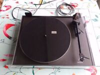 Linn Basik turntable with Akito arm, excellent condition, one careful owner, original packaging
