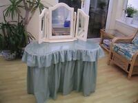 KIDNEY SHAPED DRESSING TABLE, STOOL AND MIRROR.