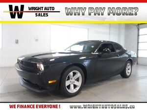 2013 Dodge Challenger SXT| LEATHER| SUNROOF| BLUETOOTH| 54,354KM