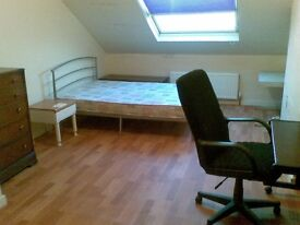 STUDENT house. Near University. Spacious bedrooms. Fully furnished.