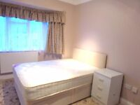 Large Double Bedroom Available Now, Southall! Close Links To Transport & Shops!