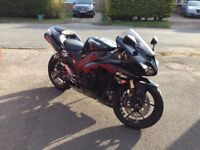 Kawasaki ZX-10R. Great Condition.