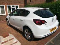 Vauxhall Astra J 2014 white