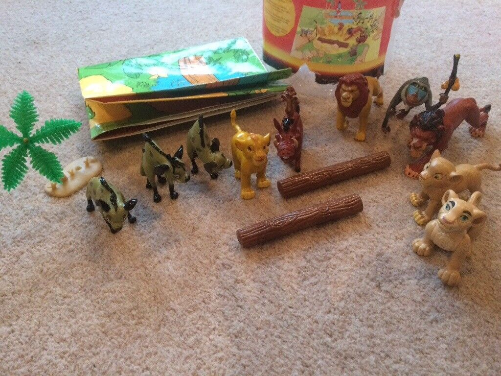 Disney's Lion King Play bucket with contents as shown in pictures
