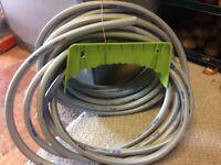 Hose pipe & hose hanger