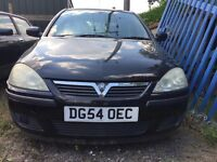 Vauxhall Corsa black 2004 1.2 petrol manual breaking for parts / spares