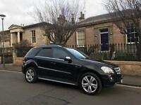Mercedes ML 350 Sport blue efficiency 10 plate