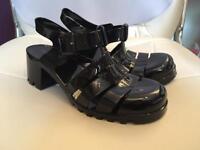 Size 6 women's black jelly shoes