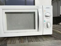 Microwave ,Daewoo. Only £10. Collection from Looe,PL131LG.Must go.