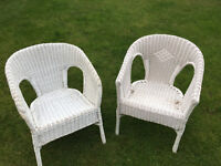 BARGAIN WHITE CHAIRS THESE ARE VERY GOOD QUALITY NEEDS A LITTLE TLC