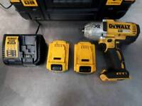 DEWALT 18v Impact Wrench with 2x5.0Ah Batteries and Charger