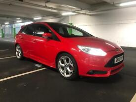 FORD FOCUS 2.0 ST-3 (250PS) RACE RED 5D 2013