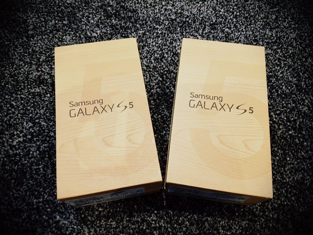 Samsung Galaxy S5 (BlackNew Conditionin Edinburgh City Centre, EdinburghGumtree - Samsung Galaxy S5 (Black) New Condition Here we have a Samsung Galaxy S5 in Black. The phone is in exceptional condition and looks like new due to having screen protectors and after market cases fitted. The original cases have now been refitted and...
