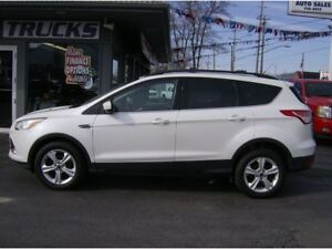 2013 Ford Escape WITH LEATHER, DUAL MOON ROOF !! REAL NICE !!