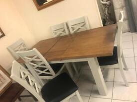 Table and chairs reduced to clear