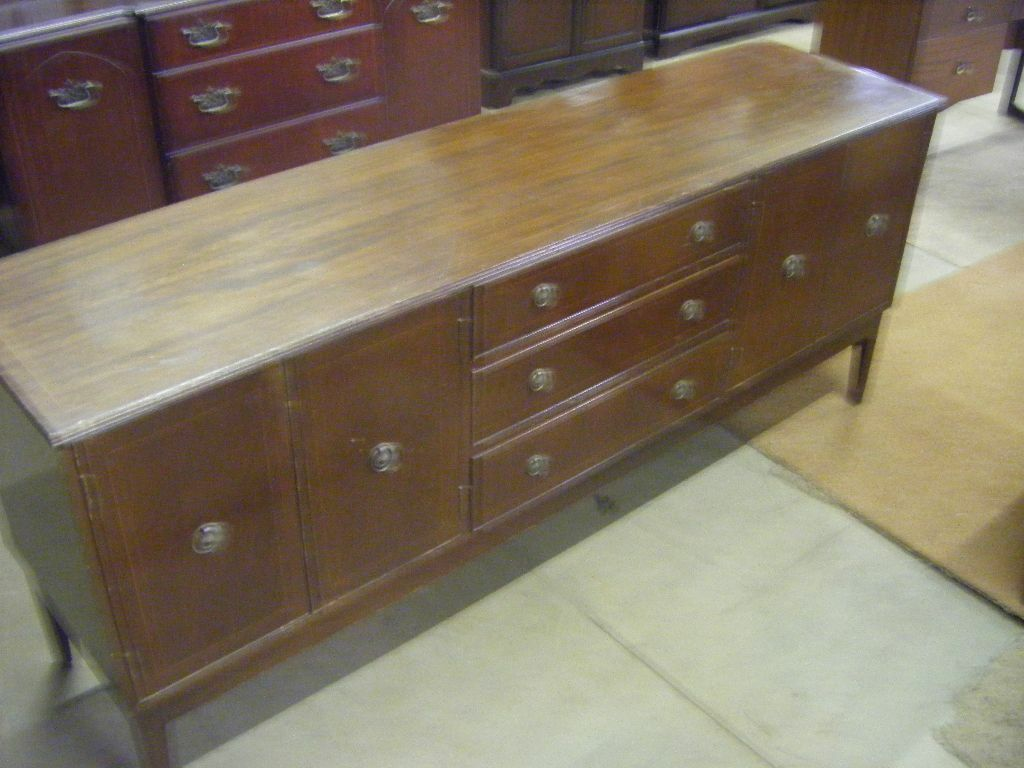 beautiful old antique vintage sideboard in finaghy. Black Bedroom Furniture Sets. Home Design Ideas