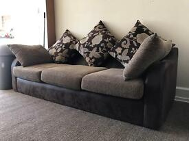2 x Couches (IMMACULATE - LIKE NEW)
