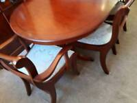 Reproduction mahagony table and 6 chairs