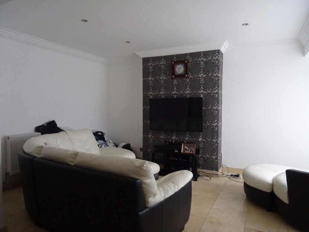 £1100 PCM 3 Bedroom House on Corporation Road, Grangetown, Cardiff, CF11 7AS