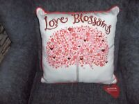 CUSHION LOVE BLOSSOM WITH LOVE HEART TREE RED/CREAM PINK BNWT 15IN X15IN
