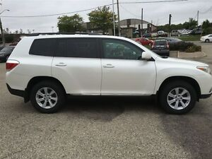 2012 Toyota Highlander V6 AWD 7 PASSENGER Kitchener / Waterloo Kitchener Area image 7