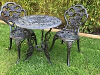 Stunning Cast Iron Very heavy, Garden table & chairs.