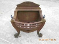 Cast iron Iglenook fire basket with solid fuel grate
