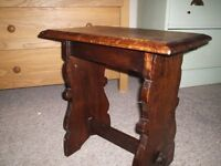 Cute vintage solid oak stool, in excellent condition 46cmx27cm, 47cm high