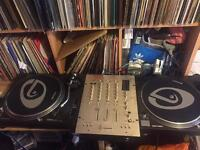 2 x technics 1210 mk2 turntables and vestax mixer( lids included)