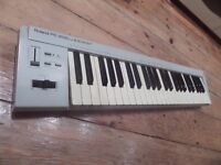 Roland PC-200 mk II MIDI Keyboard Controller and MIDI cable